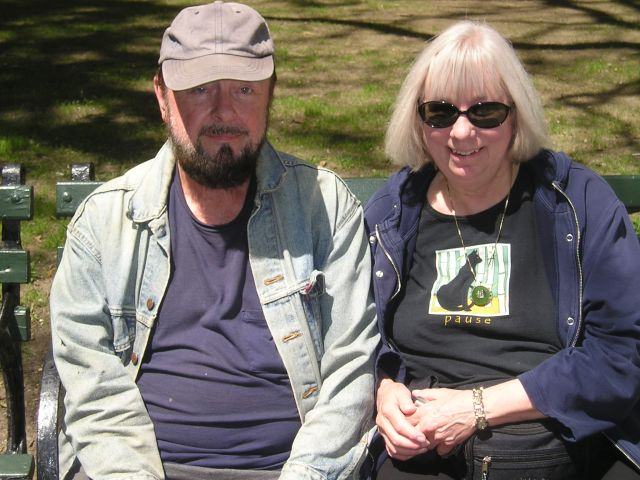 Ingo Swann with sister Murleen in 2005